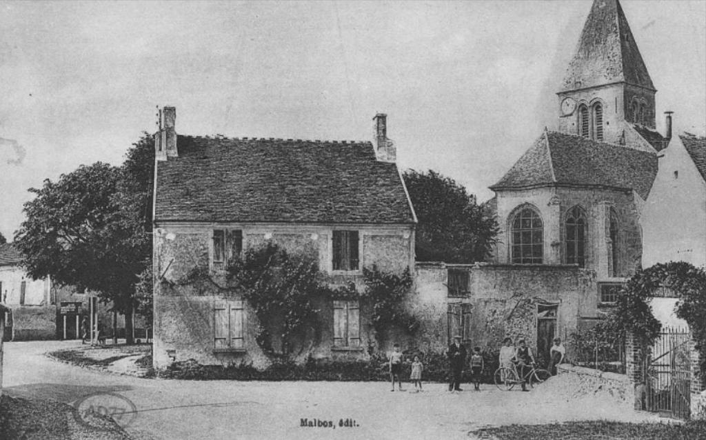 Carte postale de Varreddes - L'église