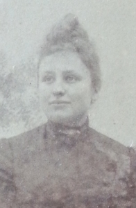 Tourette, Suzanne Manuelle (sosa 15)
